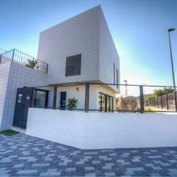 Salinas - Modern ontworpen woningen met een fraai zicht Moderne ...